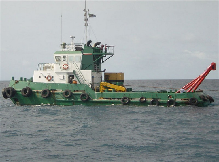 2210 bhp Twin Screw Tug